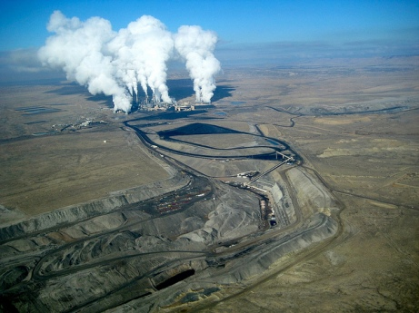 The San Juan Generating Station and Mine. Photo courtesy of San Juan Citizens' Alliance and EcoFlight.